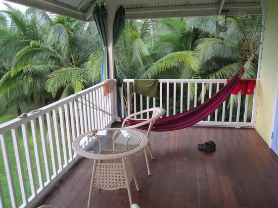 Sand Dollar Beach Bed & Breakfast: relaxation on veranda next to our room