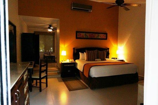 Sensimar Seaside Suites & Spa: Our room