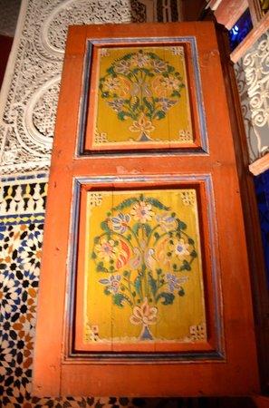 Palais Soleiman : Courtyard Window Shutter