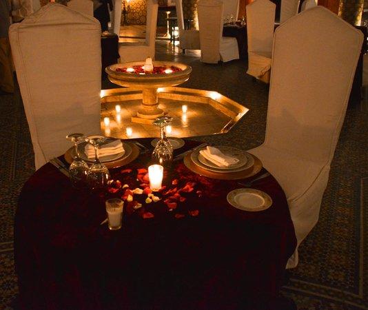 Palais Soleiman : Courtyard Table