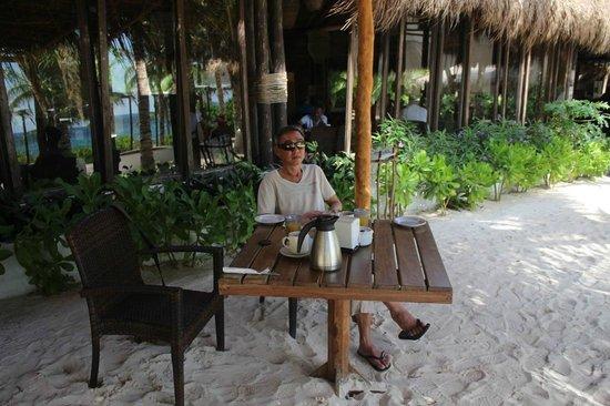 The Beach Tulum: Restaurant