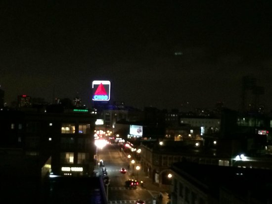 Residence Inn by Marriott Boston Back Bay/Fenway : View from terrace at night