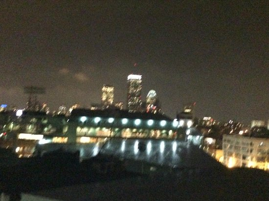 Residence Inn by Marriott Boston Back Bay/Fenway : Nighttime terrace view