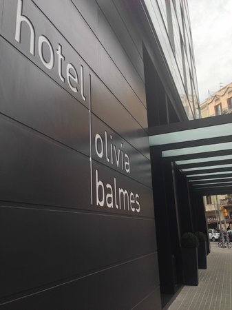 Hotel Olivia Balmes: Hotel from outside