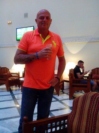Amir Palace: enjoying a refreshment
