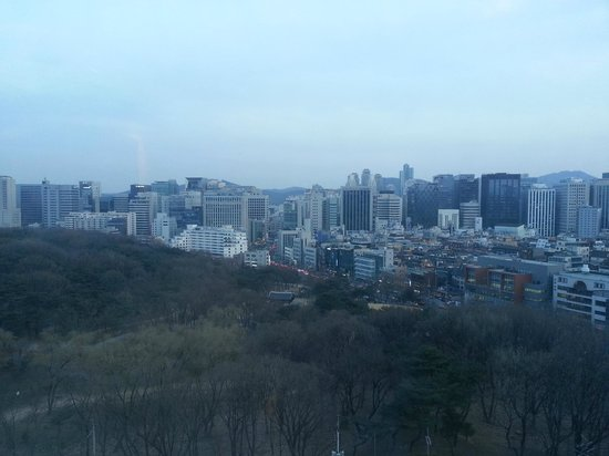 Ramada Seoul Hotel: View from the 14th floor elevator lobby
