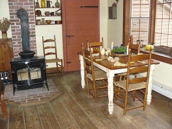 Baird Tavern: Kitchen