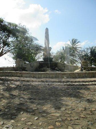 Altos de Chavon Village : fontaine