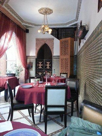 Riad & Spa Mabrouk : salle de restaurant