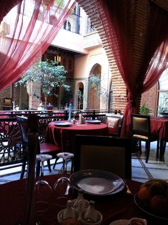 Riad & Spa Mabrouk: salla de restaurant