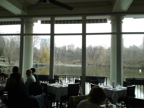 The Loeb Boathouse at Central Park : Vista en invierno