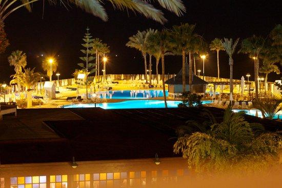 Iberostar Anthelia: Salt water pool at night