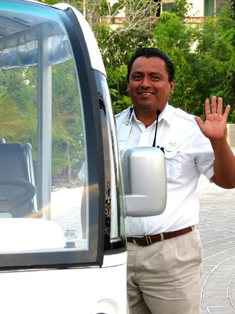 The Grand Bliss Riviera Maya: Pedro one of our wonderful shuttle drivers.