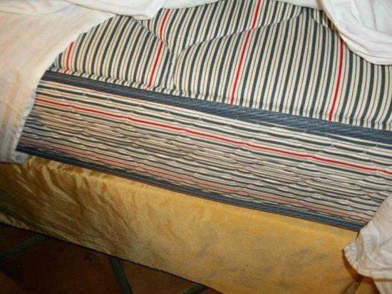 Windjammer Landing Villa Beach Resort : 1950's-60's era broken down mattress