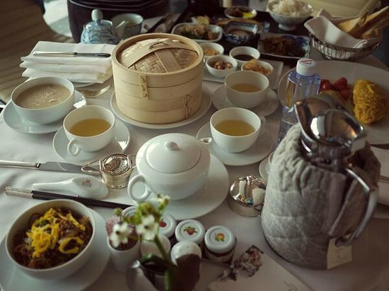 Four Seasons Hotel Guangzhou : Room service in style