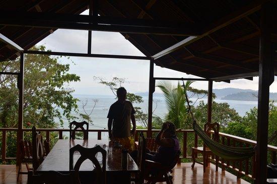 Casa Horizontes Corcovado : THE Veranda!
