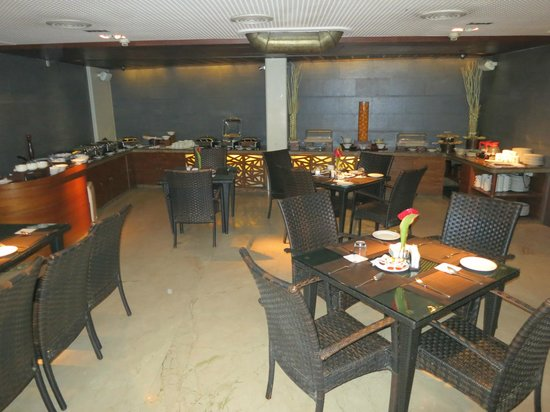 Sai Palace Hotel: Breakfast restaurant