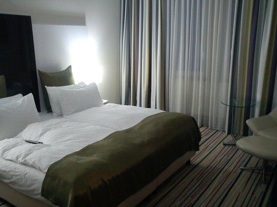 Mercure Hotel Wiesbaden City: Room/bed
