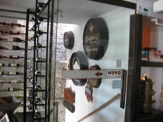 Montesacro Resto - Bar: La entrada en el primer piso