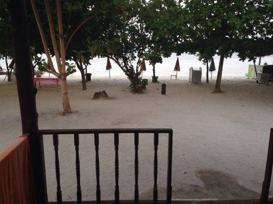 PP Nice Beach Resort: desde el porche