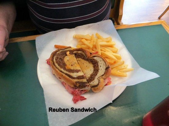 Milano's: Reuben Sandwich