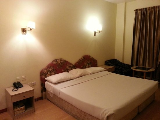 Rush Inn: Bed