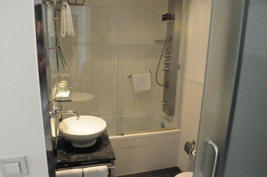 Internacional Design Hotel : Clean