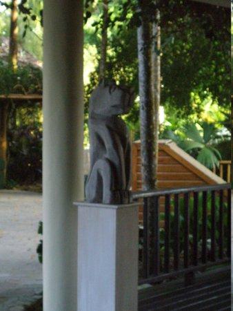Copal Tree Lodge, a Muy'Ono Resort: Statuary