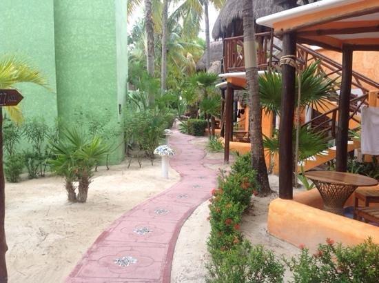 Mahekal Beach Resort: mahekal - garden palapas lodging