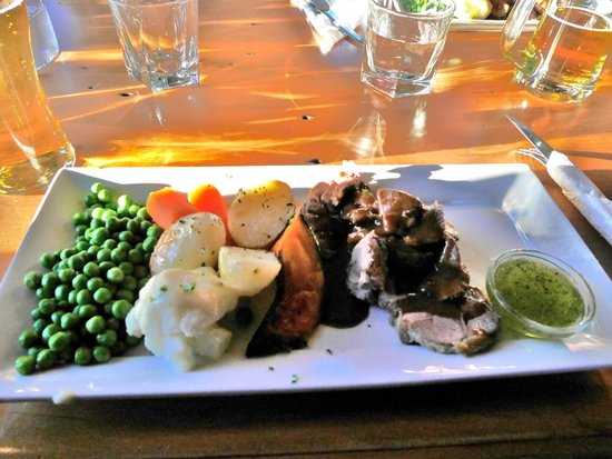 The Ranch Cafe Bar & Grill : Roast Lamb Special