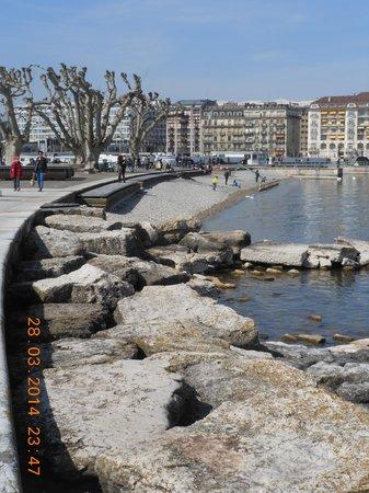 Bains des Paquis: beaches