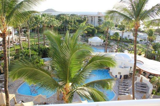 Fairmont Kea Lani, Maui: Pool view from our room