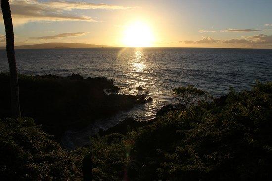 Fairmont Kea Lani, Maui: Sunset from the Wailea Walking path