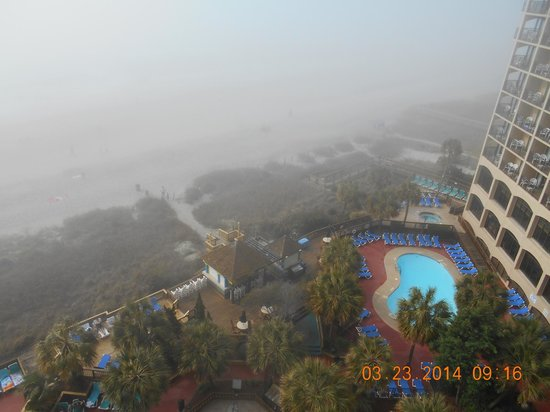 Beach Cove Resort : foggy day on balcony