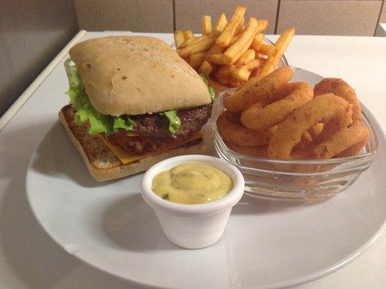 BURGER FOOD : Assiette avec des tapas