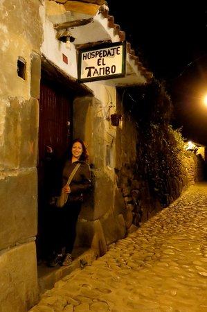 Hostal El Tambo: Entrada al Hostal