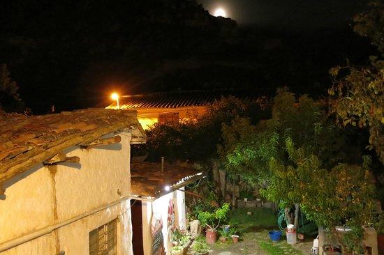 Hostal El Tambo: Vista del patio Interior
