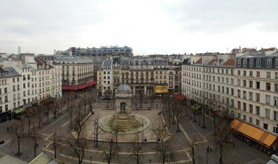 Citadines Les Halles Paris: View form room