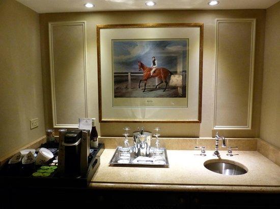 Windsor Court Hotel: Butler's pantry