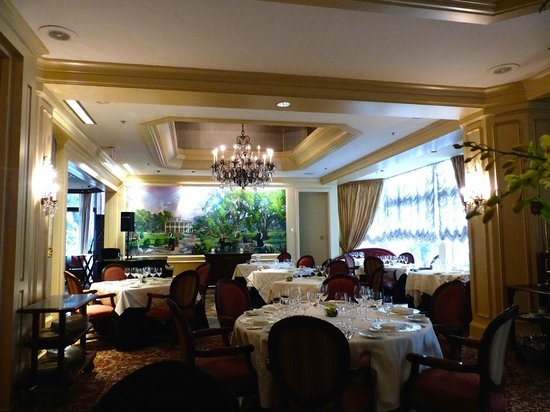 Windsor Court Hotel: Grill Room restaurant