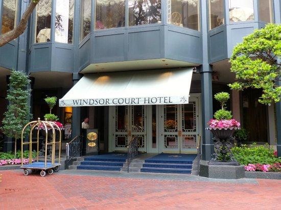 Windsor Court Hotel: Entry