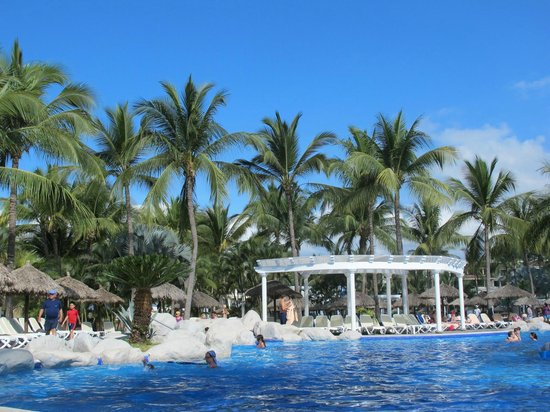 ClubHotel RIU Jalisco: Pool Area