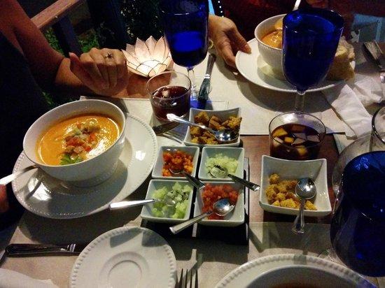 Restaurante La Farola: All the fixin's for your gazpacho!