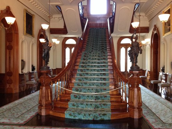 Iolani Palace: Foyer/greeting hall