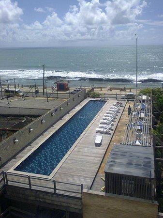 Yak Hotel Natal: Piscina externa com vista para o mar