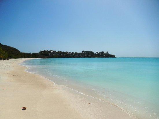 Antigua V.I.P. Tours: Coconut Bay Beach