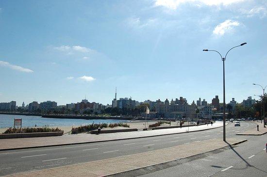 Edificios frente a la Rambla de Montevideo