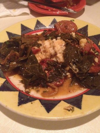 Pearl's New Orleans Kitchen: Appetizer - cheese grits with collared greens and sausage