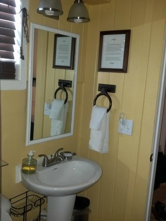 Inn at Tilton Place: Nice soft towels