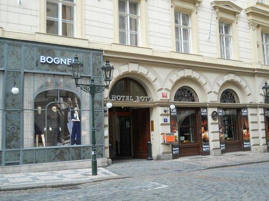 Entrance to Rott Hotel